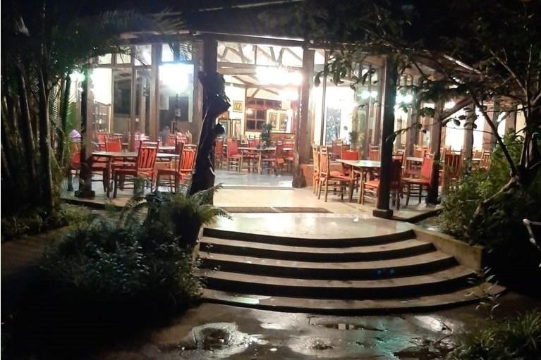 Bosques las Nueves, Restaurante, Esta Tuani